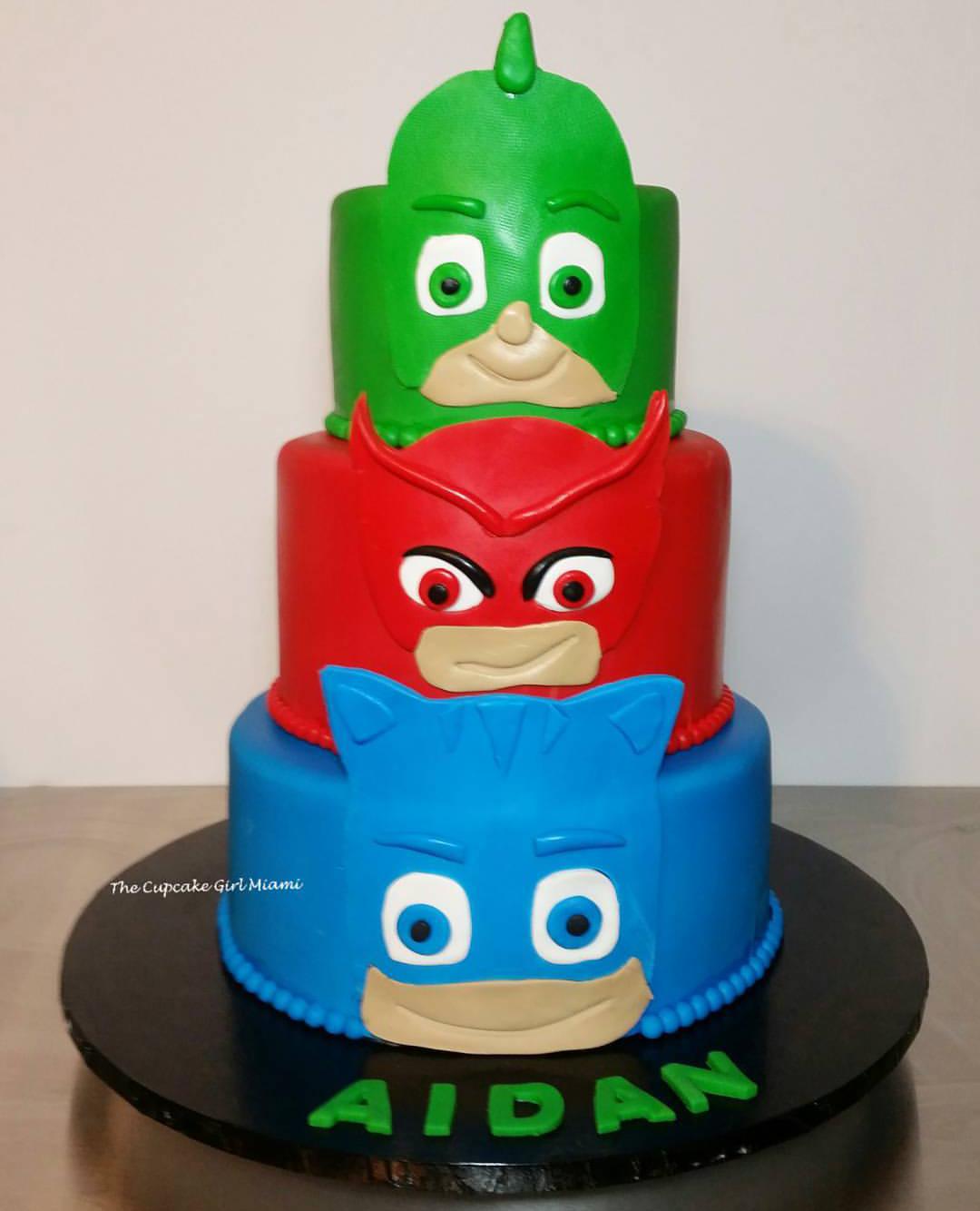Fabulous Birthday Cakes Wedding Cakes Baby Shower Cakes The Cupcake Personalised Birthday Cards Paralily Jamesorg