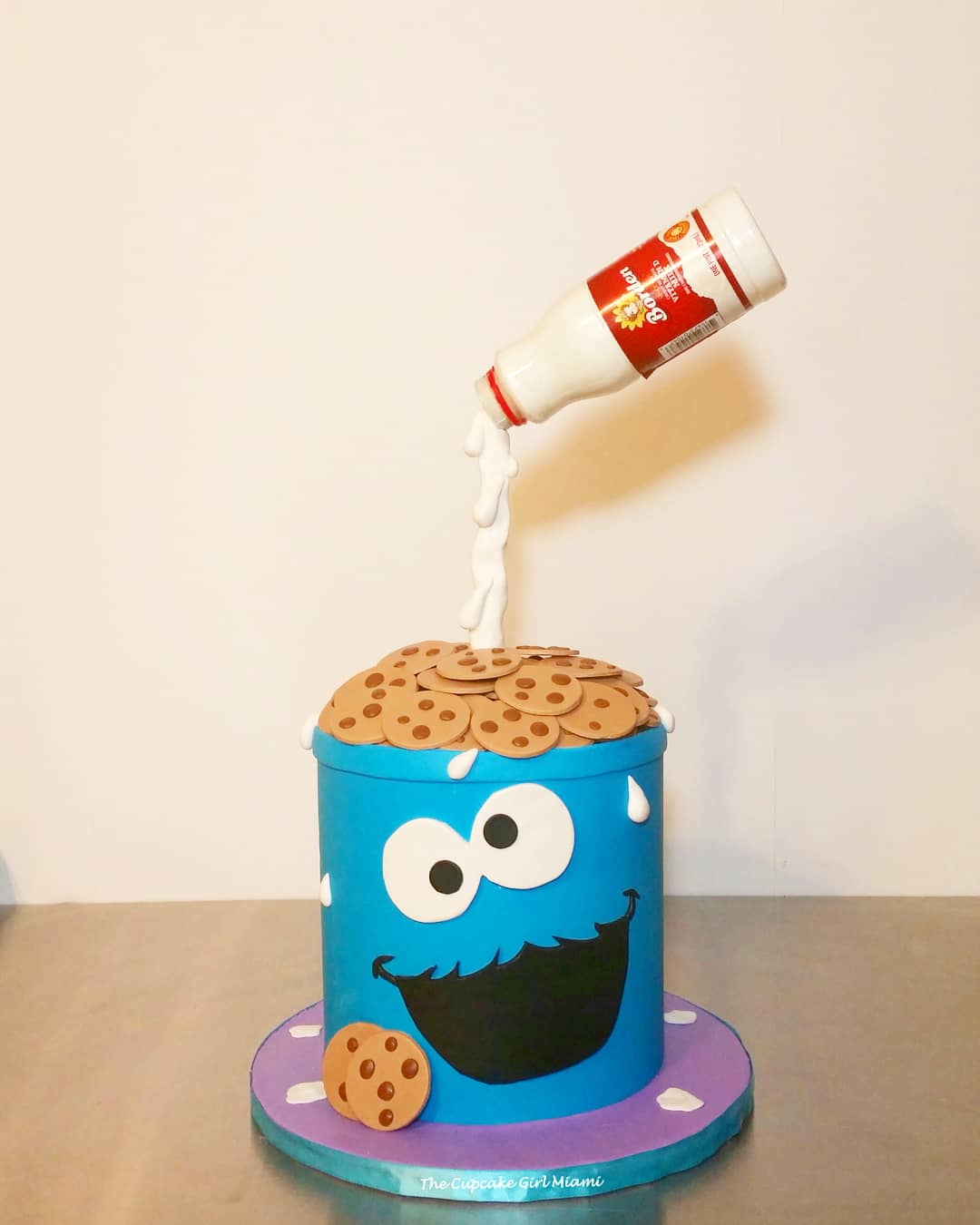 Peachy Birthday Cakes Wedding Cakes Baby Shower Cakes The Cupcake Funny Birthday Cards Online Hendilapandamsfinfo
